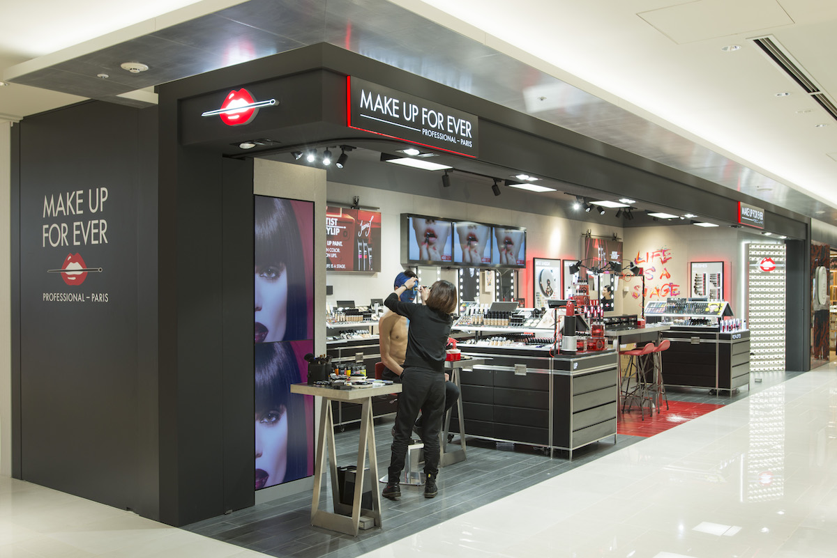 パリ発、プロフェッショナルメイクアップブランドの「メイクアップフォーエバー(MAKE UP FOR EVER)」は4月20日、ギンザ  シックス(GINZA SIX)地下1階に初の旗艦店を